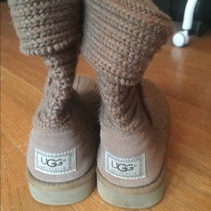 Light brown knit uggs size 7
